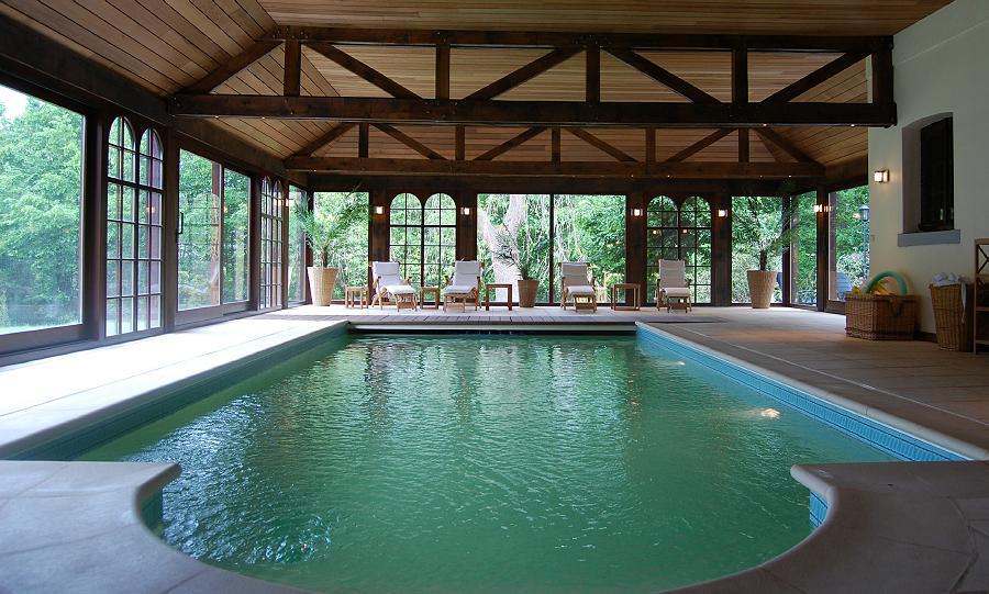 Vakantiehuis met zwembad stijlvol genieten in een luxehome for Huisje met sauna en jacuzzi 2 personen